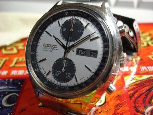 上图 : Seiko Chronograph 6138-Watchbus